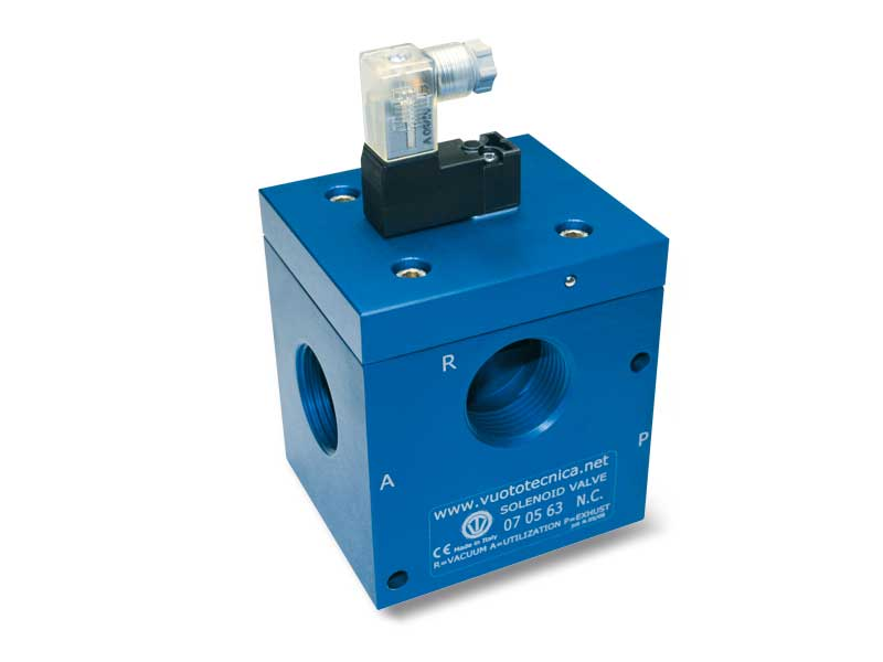 3-Way vacuum solenoid valves with bistable impulse solenoid pilot valve and with low absorption electric coil