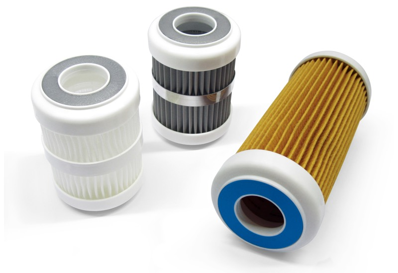 Filtering cartridges with compression sealing