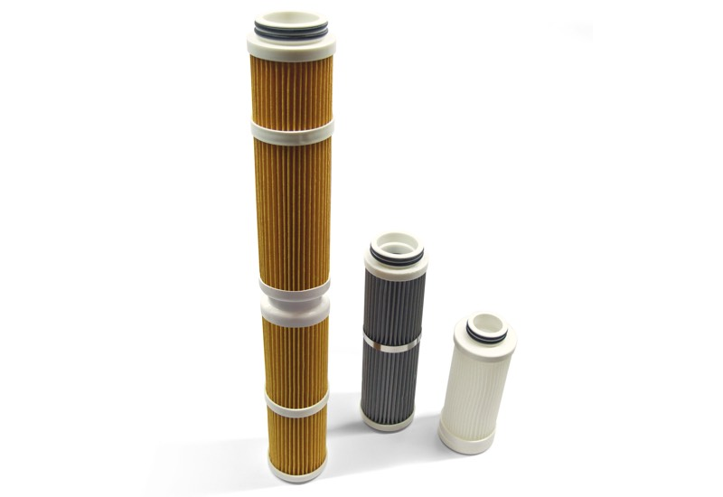Quick coupling filtering cartridges