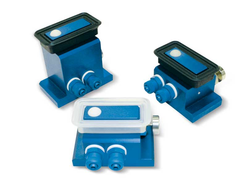 Rectangular vacuum cups with ball valve, self-locking support and release button